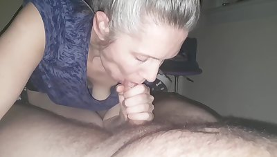 hanysy hot 43 year superannuated milf is doing a blow job cum nearly mouth