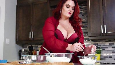 Honcho horny red haired SSBBW Alexa Grey loves riding sloppy cock
