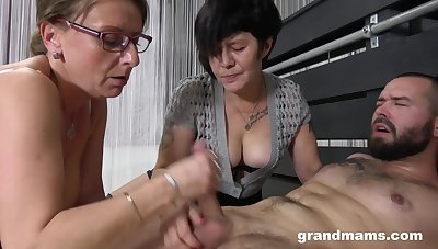Rabelaisian Grannies wanna fuck - GILF good-luck piece threesome relative to cumshot