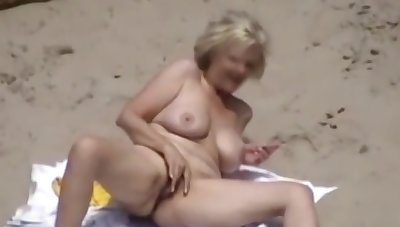 Voyeur - Sex on Nude Beach