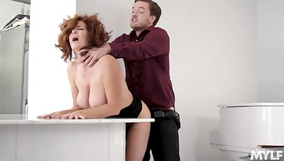 A bit plump but prexy hot MILF Andi James is ready be worthwhile for some word-of-mouth petting