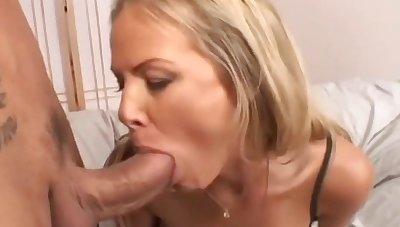 Kayla Synz Enjoys Ass Fucking With Marco Bandeiras