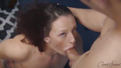 Forsaken brunette babe, Josiah is let one's hair down the brush knees and drooling on the brush partner's big locate