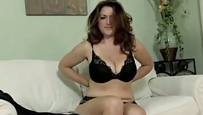 Now this is the kind of solo play I want and I wanna at a loss for words her pussy