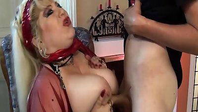 pierced bbw mom deep fisted wide of stepson