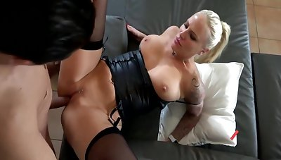 Lara Cumkitten Adjacent to Strapped And Attainable To Fuck, I Am Your Woman