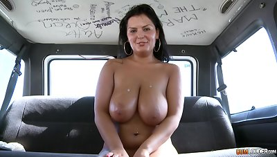 Good riding skills this chubby amateur woman has