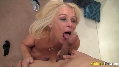 Aureate Old bag - Incredible Matures Worship Obese Cocks Compilation