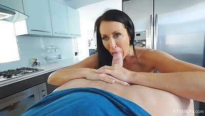 Excellent shorn porn in the kitchen with the hot mature stepmom