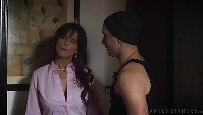 syren is having intercourse dam - Babe