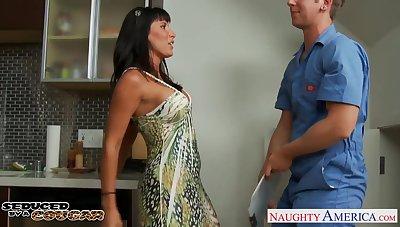 Sex-appeal mature widow Lezley Zen seduces young man for accidental sex