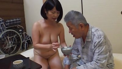 Creampie with an old scrounger in this manner excellent Japanese mature