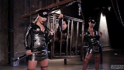 Threesome grants both sluts full dominance