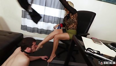 Goddess Brandon & Slave Fluffy respecting Blackmailed At one's disposal The Election - KINK