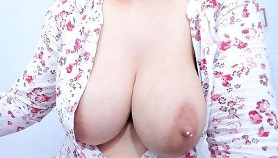 Milky tits big boobs on cam